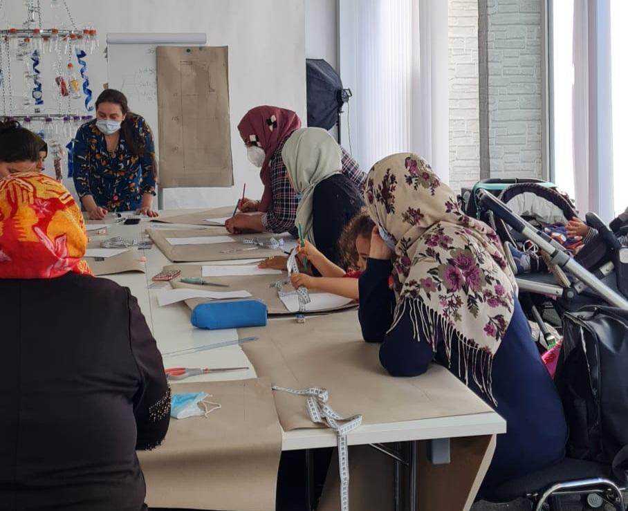 Nähcafé für Frauen inklusive Kinderbetreuung